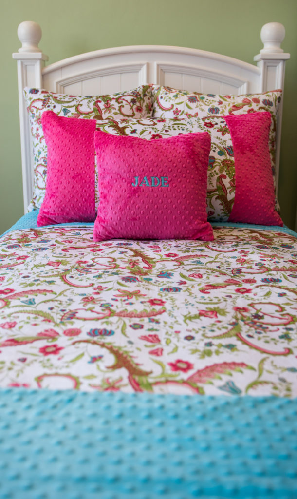 White Floral / Hot Pink or Turquoise - Twin Bed Set - Baby Jade